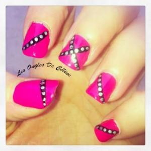 Nouveau nail art du week end, et mauvaise nouvelle ! dans Nail art 426457_622651047750781_1085646051_n-300x300