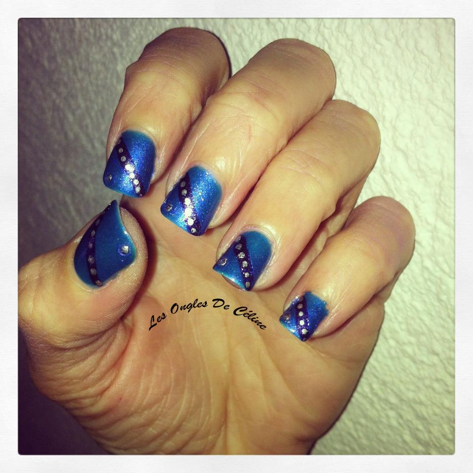 Du bleu dans Nail art 598743_628917700457449_891489753_n