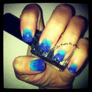 Dégradé de bleu dans Nail art 709_624450037570882_977569992_n-300x300