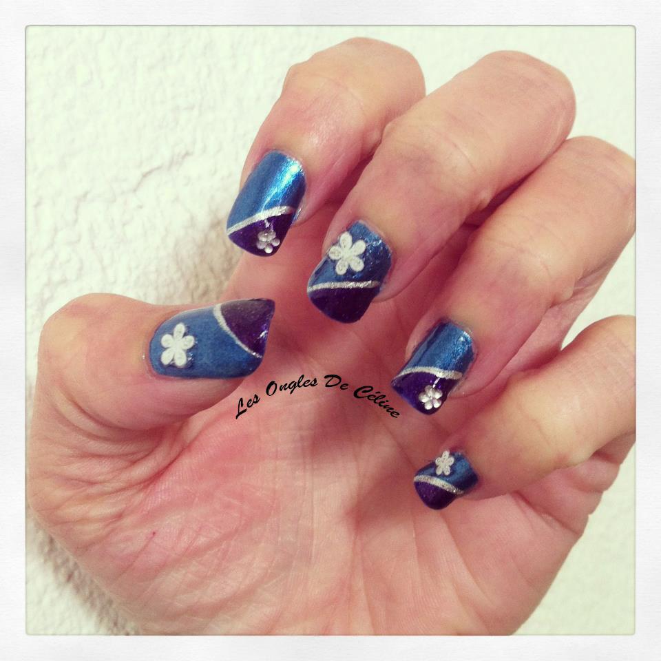 En bleu et violet... dans Nail art 431863_644550975560788_100241558_n