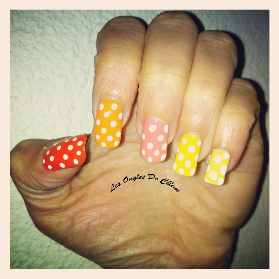Des p'tits points pastels  dans Nail art 943346_649970935018792_733843954_n